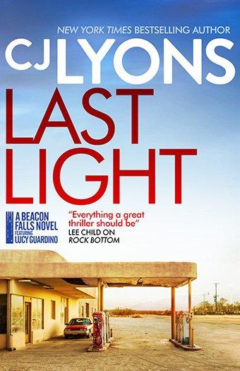 Last Light by C. J. Lyons
