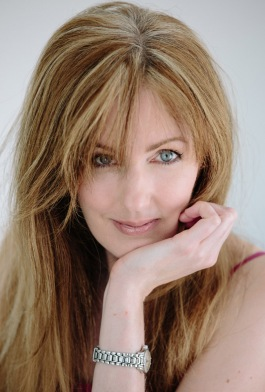Rachel Amphlett author photo